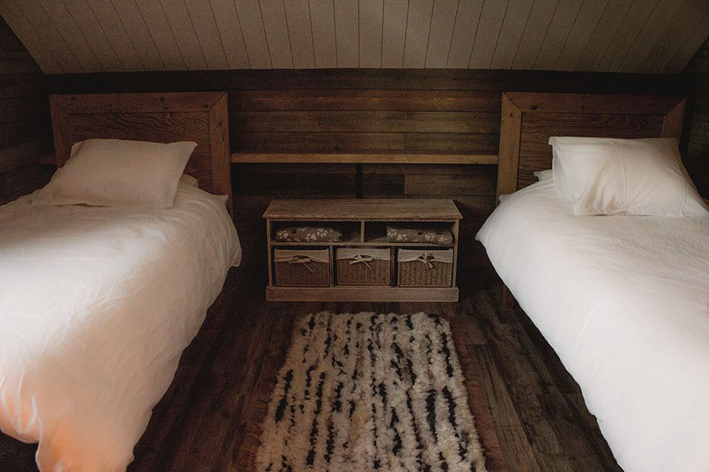 Lapland Sleddog Adventures Guest Lodge - Bedrooms can be twins view of two beds